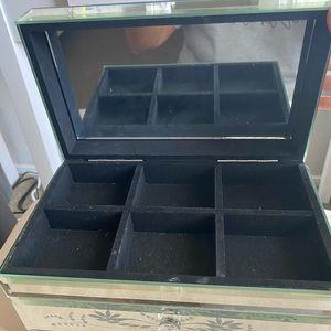 Storage & Organization - Mirrored jewelry box